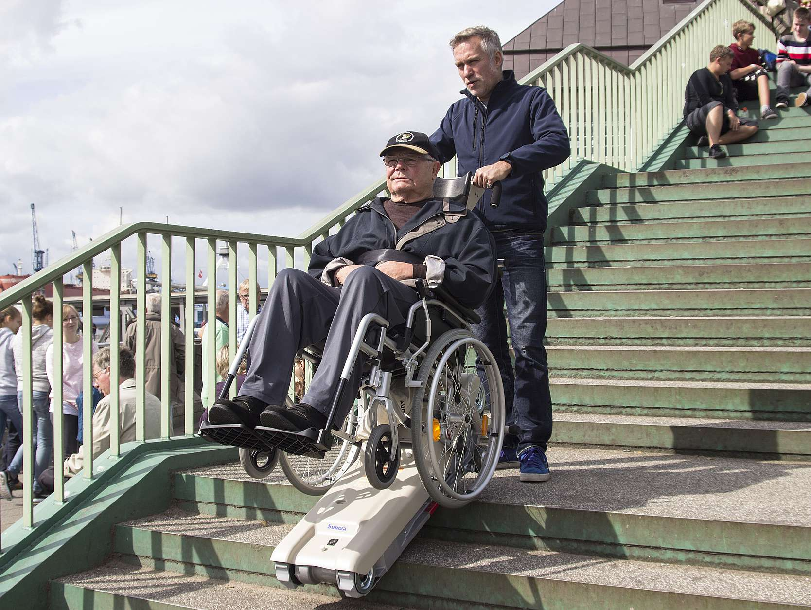 Stairclimber Stair aid Mobile stairlift for wheelchair