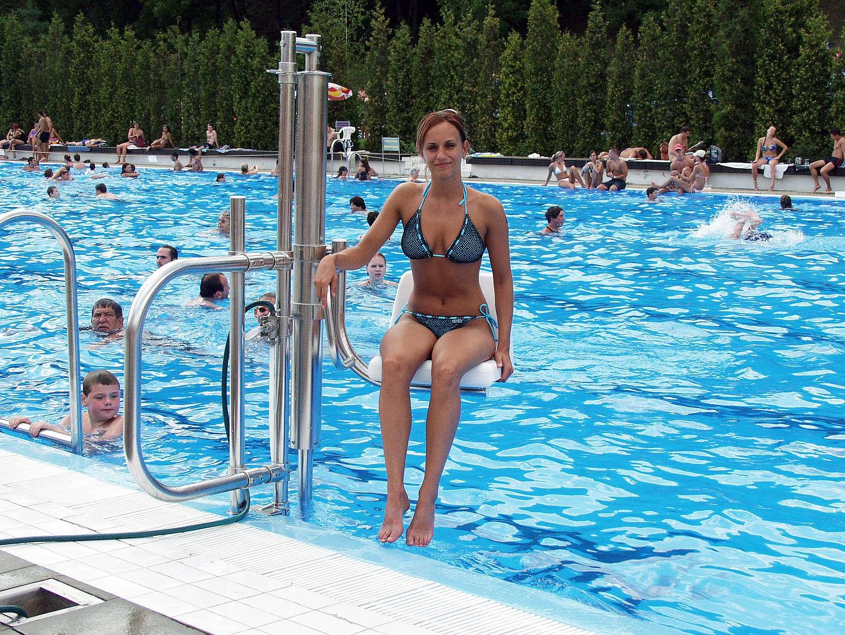 siège ascenseur elevateur de piscine