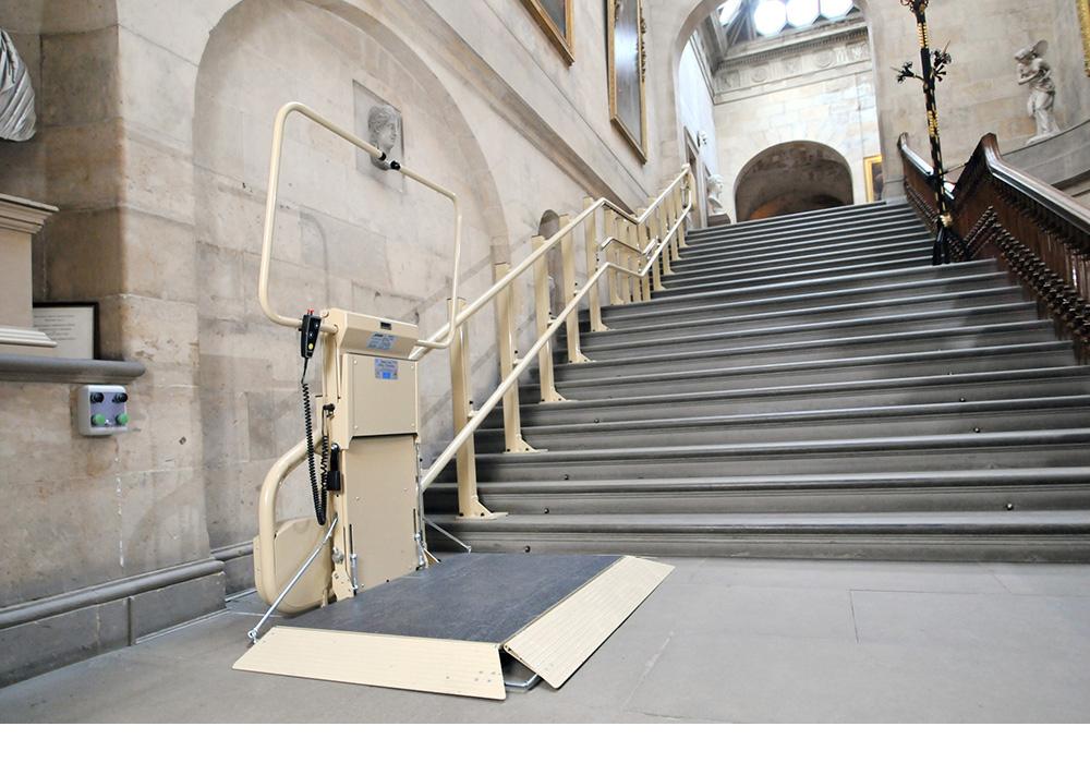 Platform stairlift stairriser Stannah Lifts